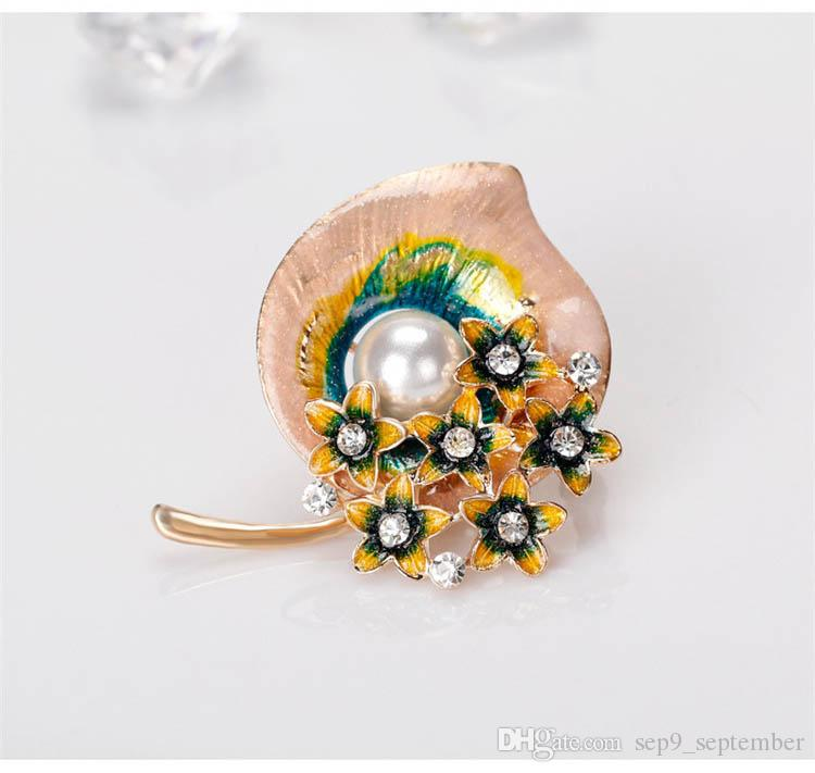 Rhinestone Brooches New Arrival Elegant Pearl Flower Brooch Pin Rhinestone Crystal Costume Jewelry Clothes Accessories Jewelry