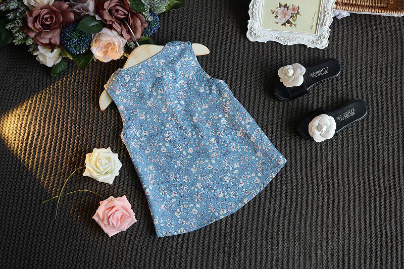 ZWEI Farben Anzüge Kinder Kleidung Sommer Baby-Sets Floral Bedruckte Sleeveless Bogen Hosenträger T-shirt Tops + Solid Shorts Freies Verschiffen