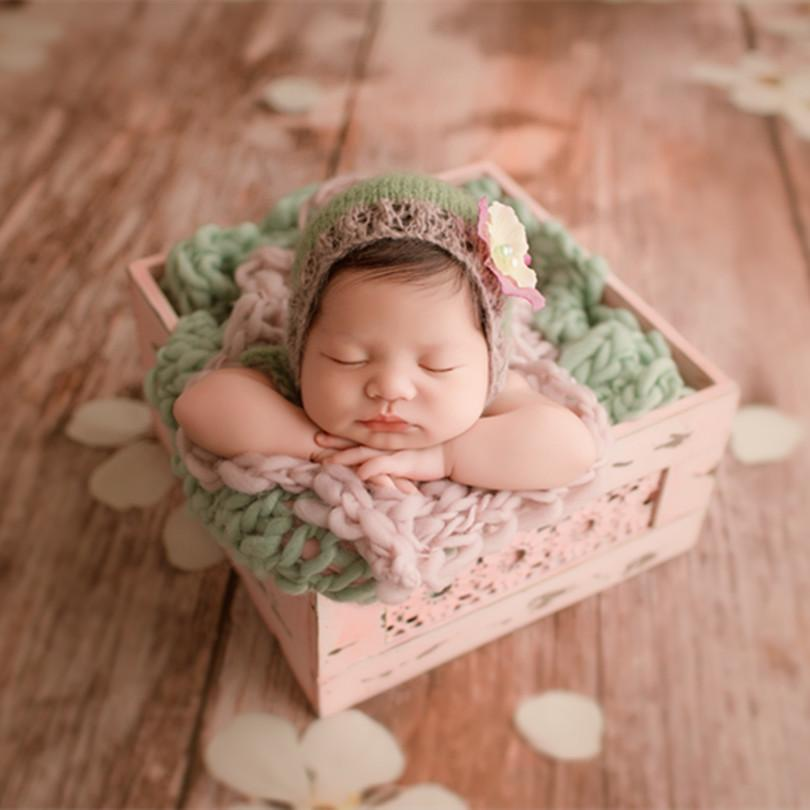 Crochet Newborn Flower Bonnet Photography Props Knitted Baby Girl Hat  Vintage Newborn Hat Flower Pattern Infant Cap Photo Props UK 2019 From  Humom b7a53baf580