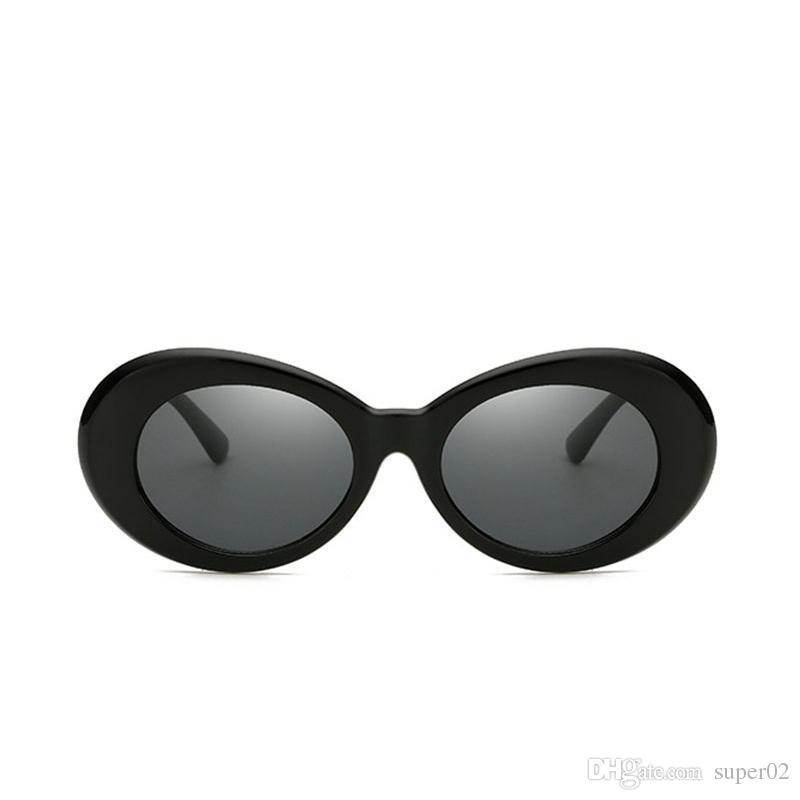 a8bbbd37d Compre Superhot Óculos Kurt Cobain 90 Estilo Branco Oval Óculos De Sol Das  Mulheres Dos Homens Retro Vintage Óculos De Sol Preto Vermelho Tons  Alienígenas ...
