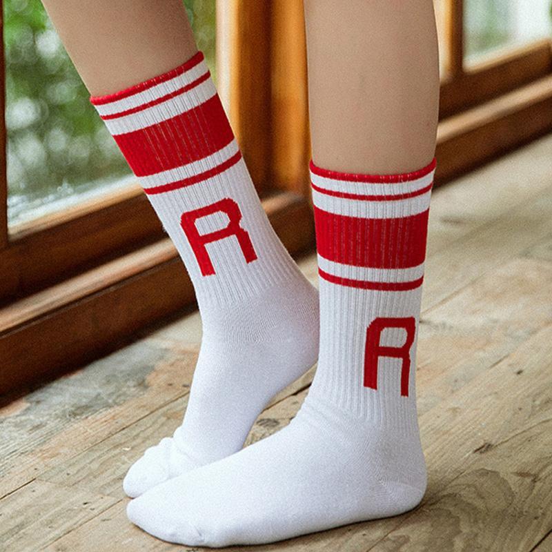2018 Yaz Kadın Üç Stripes Sevimli İngilizce harfler Çorap Pamuk Şeker Renkli Renk Çorap Yüksek Kalite Yumuşak Çorap
