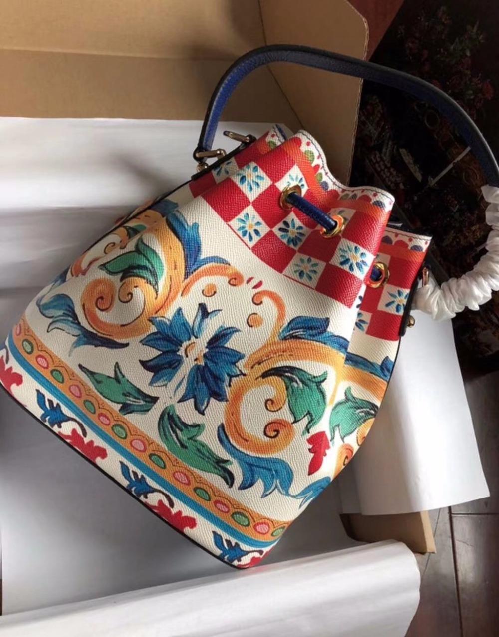 9cc1bd9674391 Großhandel WW0812 100% Echtes Leder Luxus Handtaschen Frauen Taschen  Designer Crossbody Taschen Für Frauen Berühmte Marke Runway Von  Chongyangclothes004