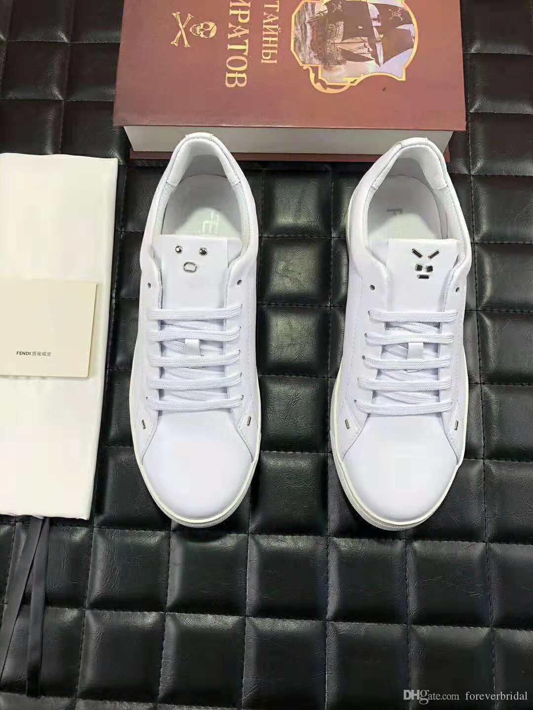 Acquista Luxury Brand New Simple Design Colore Bianco Uomo Fashion Board Scarpe  In Pelle Di Colore Solido Confortevole Suola In Gomma Da Jogging Scarpe Da  ... 9f93d4008e5