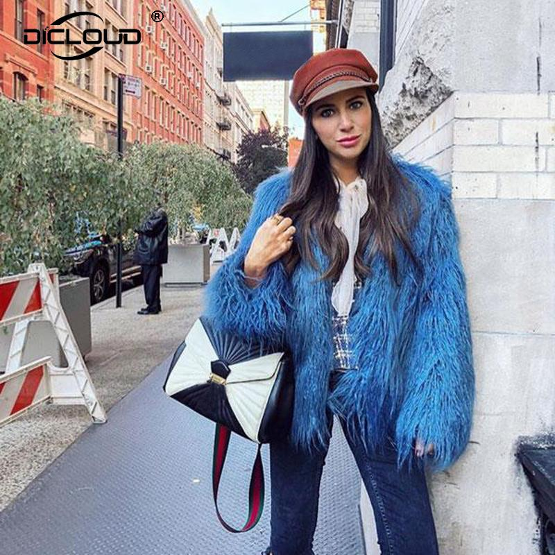 Compre Lujo Azul Faux Mongolia Abrigos De Piel De Oveja Chaquetas Shaggy  Flurry Falso Abrigo De Pieles Mujeres 2018 Primavera Moda Casual Mujeres  Outerwears ... dfbd24f97188