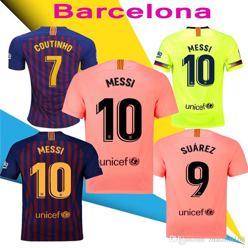 b5eb206ae1 Compre 2018 19 Barcelona MESSI SUAREZ Jersey Futebol 2019 Camisas Rosa  Dembele Messi COUTINHO Casa Azul Camisa De Futebol 18 19 Crianças Kit De  Zhaizhai168