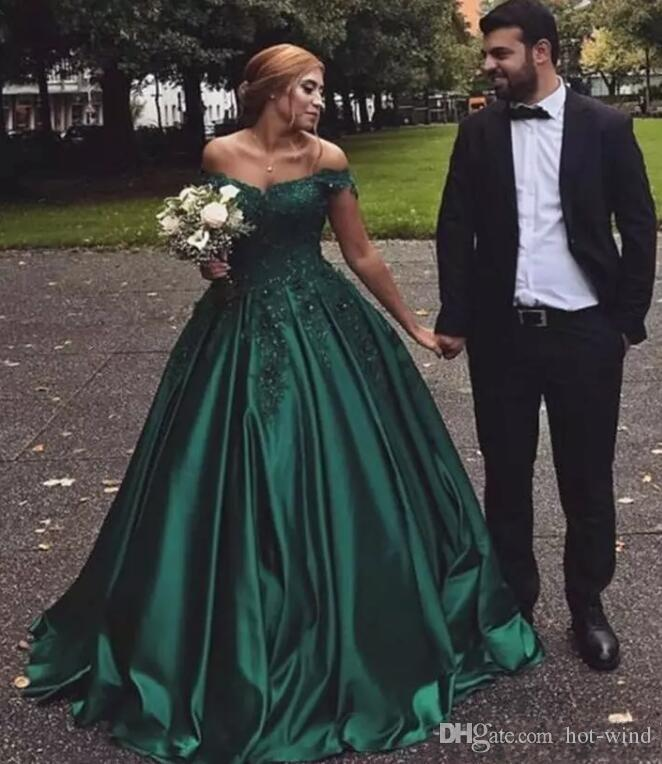 Hunter Green Ball Gown Prom Dresses Off the Shoulder Lace Applique Beaded Sweep Train Evening Gowns Pageant Party Formal Dresses