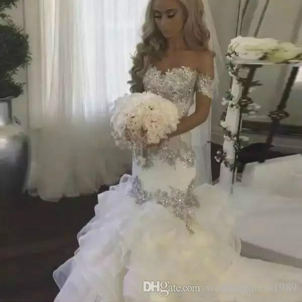 Tute di organza di lusso Plus Size Mermaid Wedding Dresses Ruffle Off Shoulder Beads Cristallo Arabo Paese Abito da sposa Abito da sposa personalizzato