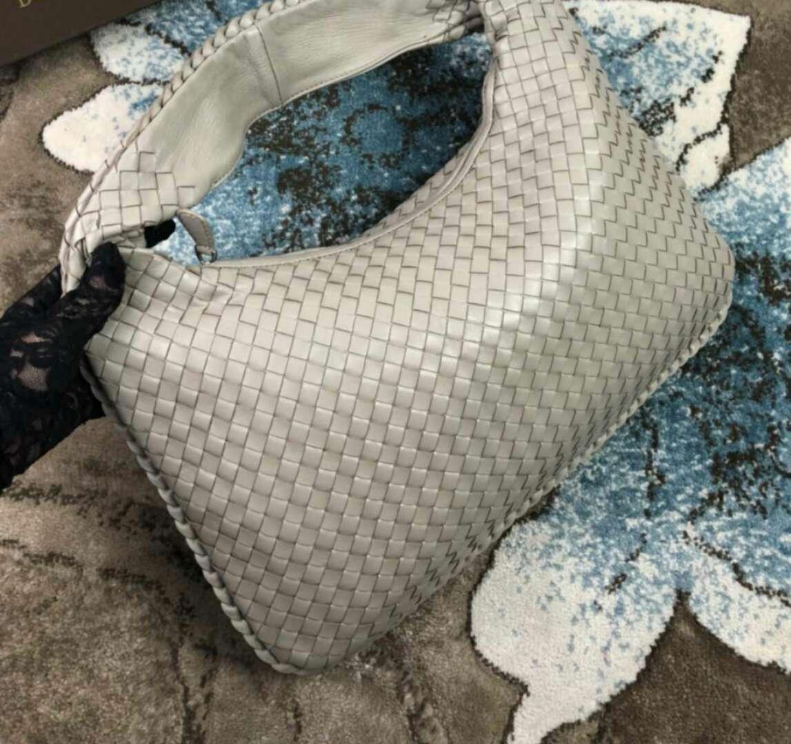 2018 mujeres hechas a mano material de ganchillo piel de oveja genuina de cuero suave bolso elegante moda kintting gran tamaño bolso casual hobos bolso de hombro