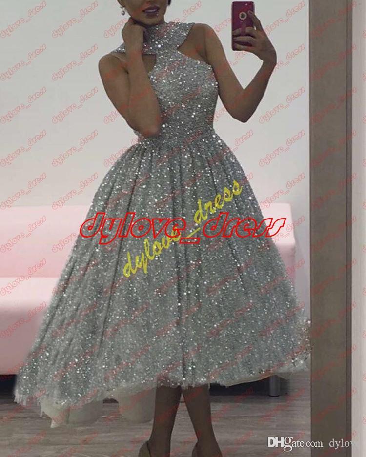05425d40650 Acheter 2018 Sexy Pas Cher Robes De Bal Courtes Paillettes Robes Robe De Soirée  Robes De Fiesta Plus La Taille Robes De Bal De  131.61 Du Dylove