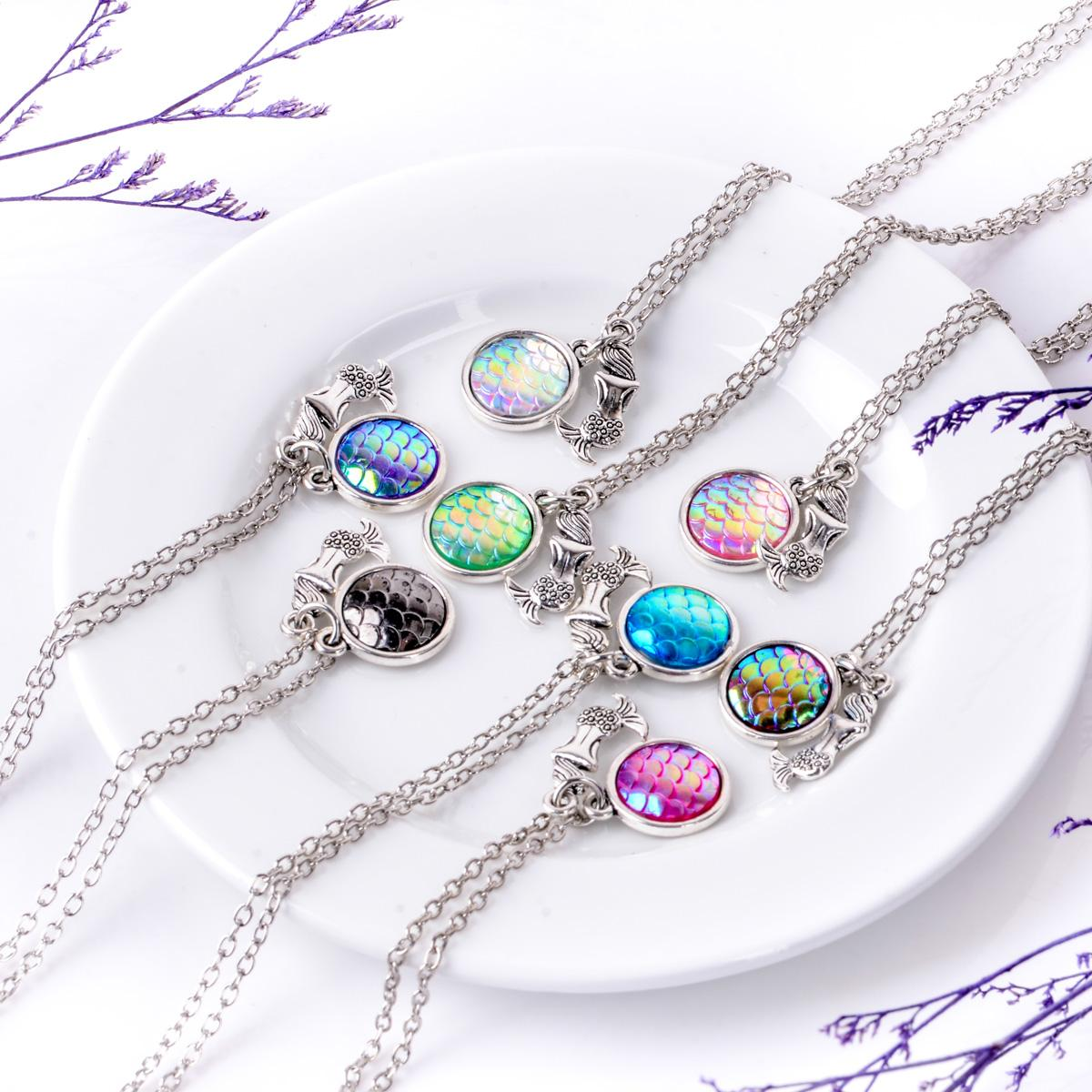 Nuovo design affascinante Neckalce AB arcobaleno colore scale a sirena ciondolo in resina fascino collane le donne accessori gioielli donna