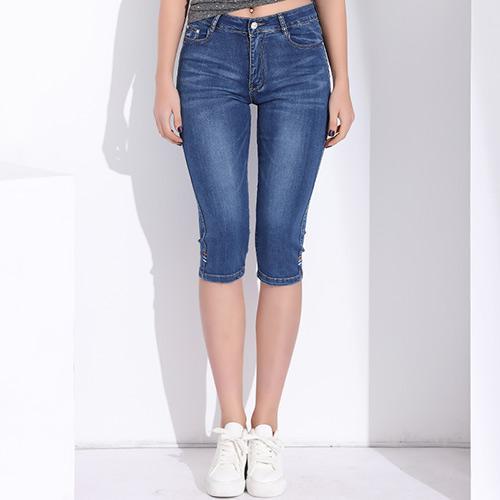 33946b78f47c2 Compre Denim Cintura Alta Jeans Mulheres Shorts Na Altura Do Joelho Mulher  Skinny Plus Size Feminino Capris Jeans Femme Curto Denim Calças De Verão De  ...