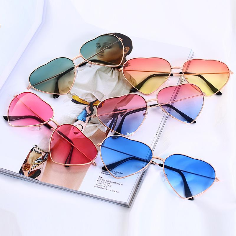 7554310b75 Compre Amor Del Corazón Gafas De Sol Mujer Mujer Color Degradado Corazones  Forma Gafas Para Damas Gafas De Un Corazón Gafas De Sol Al Por Mayor A  $1.28 Del ...