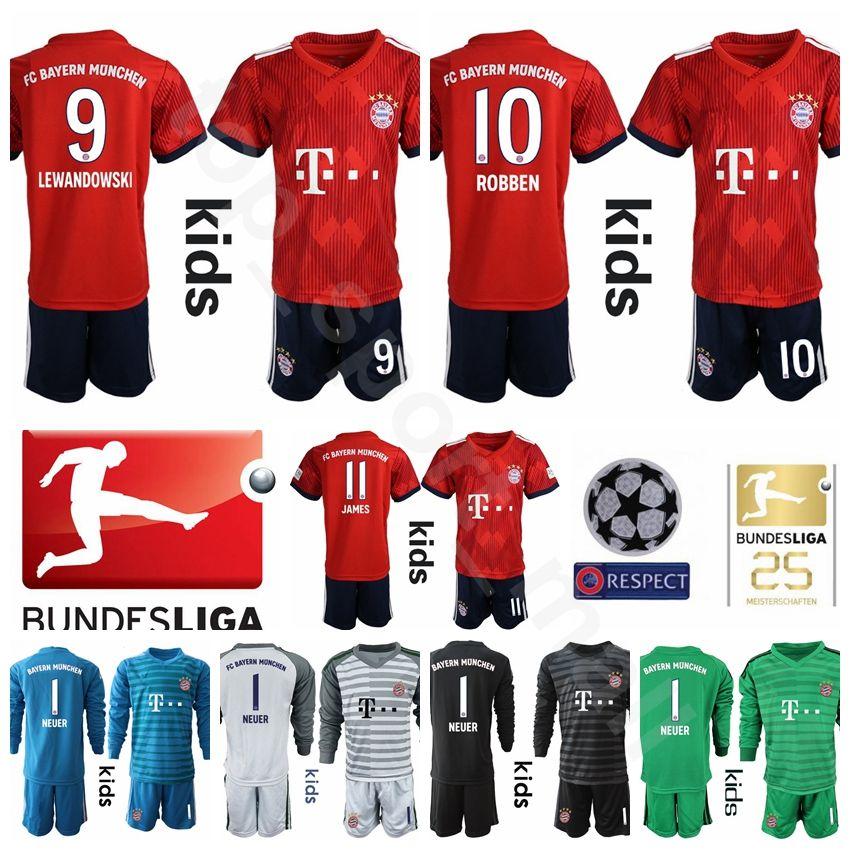 ada523e88808ae Großhandel Jugend Bayern München Trikot Kinder Set Fußball 18 19 Bundesliga  9 LEWANDOWSKI 10 ROBBEN 7 RIBERY 25 MULLER Fußball Trikotsätze Uniform  Children ...