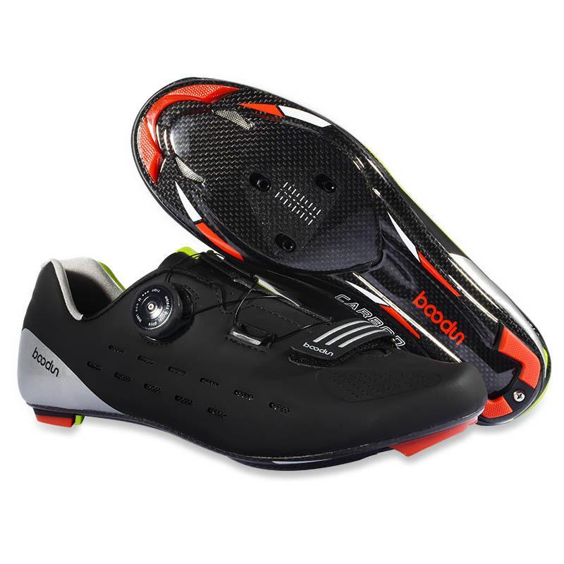 3be889884b Nuevos Zapatos De Ciclismo De Carretera Transpirables Impermeables  Antideslizantes De Fibra De Carbono Únicos Zapatos De Bloqueo Profesional  Deportes Al ...