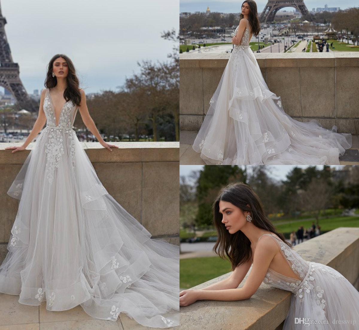 ff83957e7a Modelos Vestidos Noiva 2019 Julie Vino Praia Vestidos De Casamento Profundo  Decote Em V Sweep Trem De Renda Boho Vestido De Noiva Applique Sem Encosto  Em ...