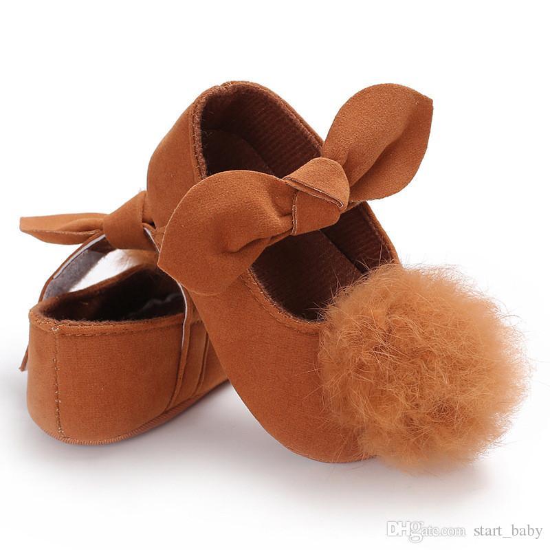 Bébé Filles grandes peluche Pompon arc princesse chaussures 7 couleurs solides bébés mignons semelle souple premiers marcheurs 3 tailles tout-petits princesse robes chaussures B