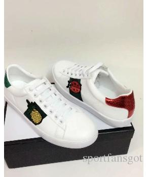 d915a8b7b413 Acheter 2018 Designer Chaussures ACE Brodé Blanc Poisson Abeille Poisson  Ananas Chaussures En Cuir Véritable Designer Sneaker Luxe Hommes Femmes  Chaussures ...