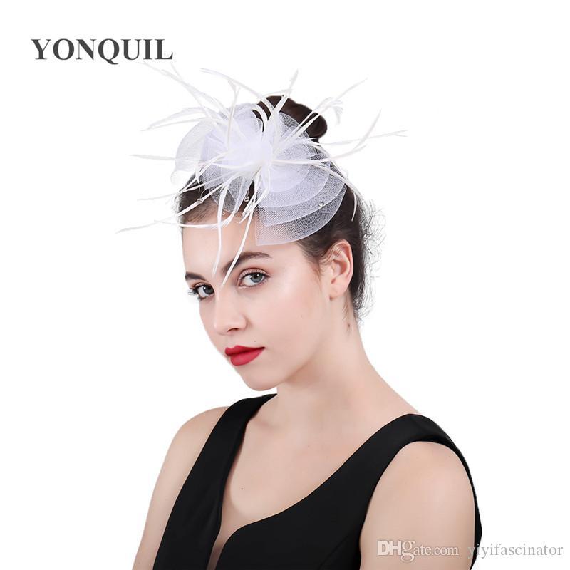 Compre Mujeres Net Feather Fascinator Peinetas De Pelo De Tul Accesorios  Para El Cabello Con Fascinators Feather Headear Sombrero De Fiesta Francés  Tocado ... 8e4e744de7b5