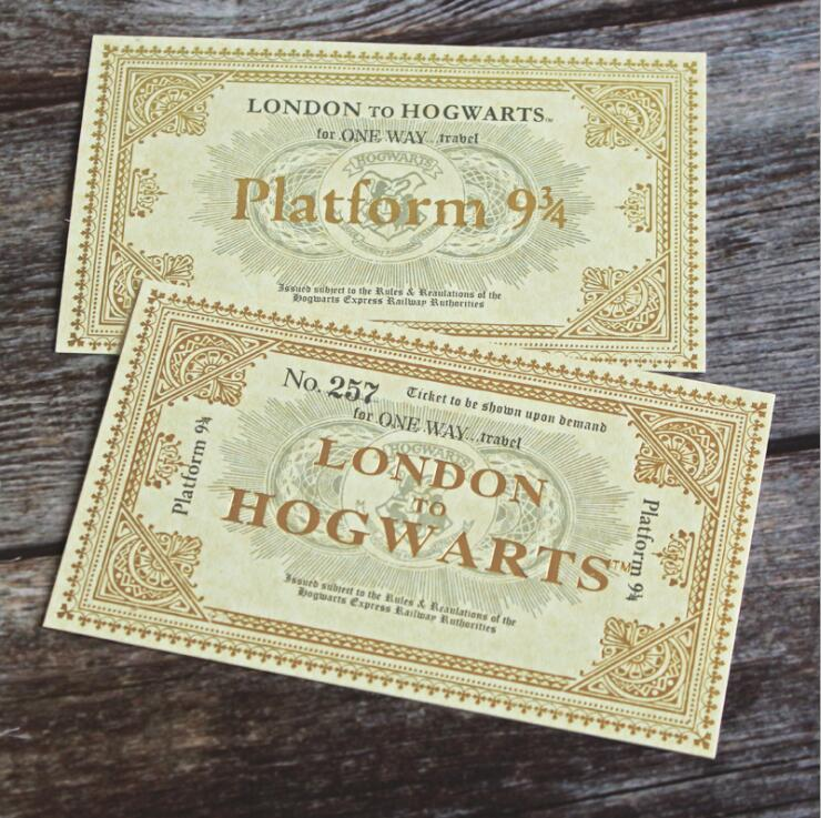 Harry Potter 9 3//4 Hogwarts Express Ticket Keyring New Genuine Merchandise
