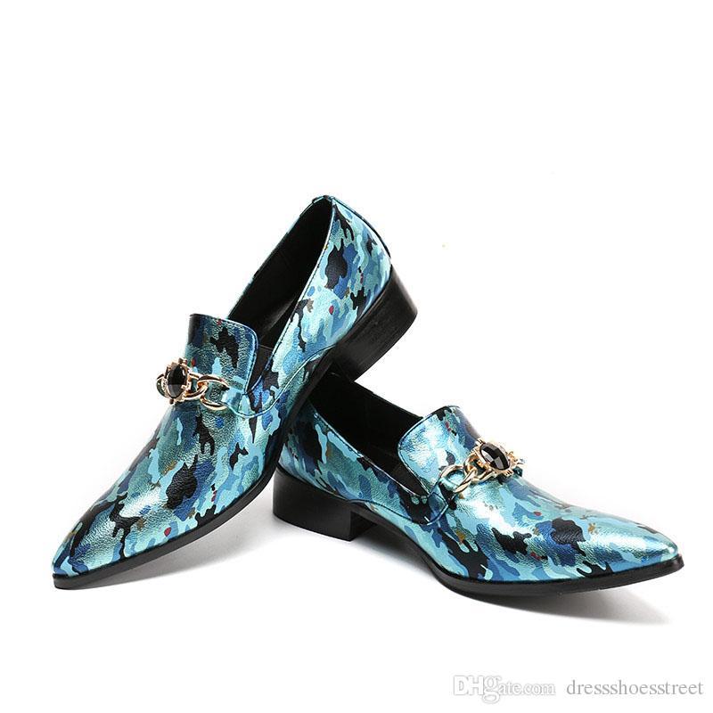 Nuevo diseño de moda primavera verano para hombre rojo azul puntiagudo dedo del pie resbalón en la impresión de cuero zapatos casuales hombres mocasines partido drss zapatos