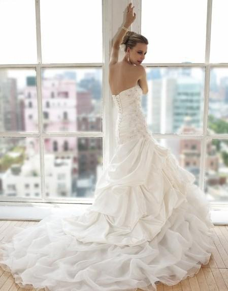 taffeta/Organza chapel train A-line soft sweetheart open back lace-up crystals rhinestones glass bugle seed beads wedding dress