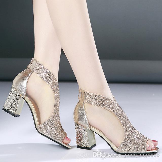 5b75309b417 Compre Moda 2018 Sandalias De Mujer Bling 7 Cm Tacones Altos Diamante Cuadrado  Verano Zapatos De Las Mujeres Zapatos De Boda De Cuero Sandalia Mujer A ...