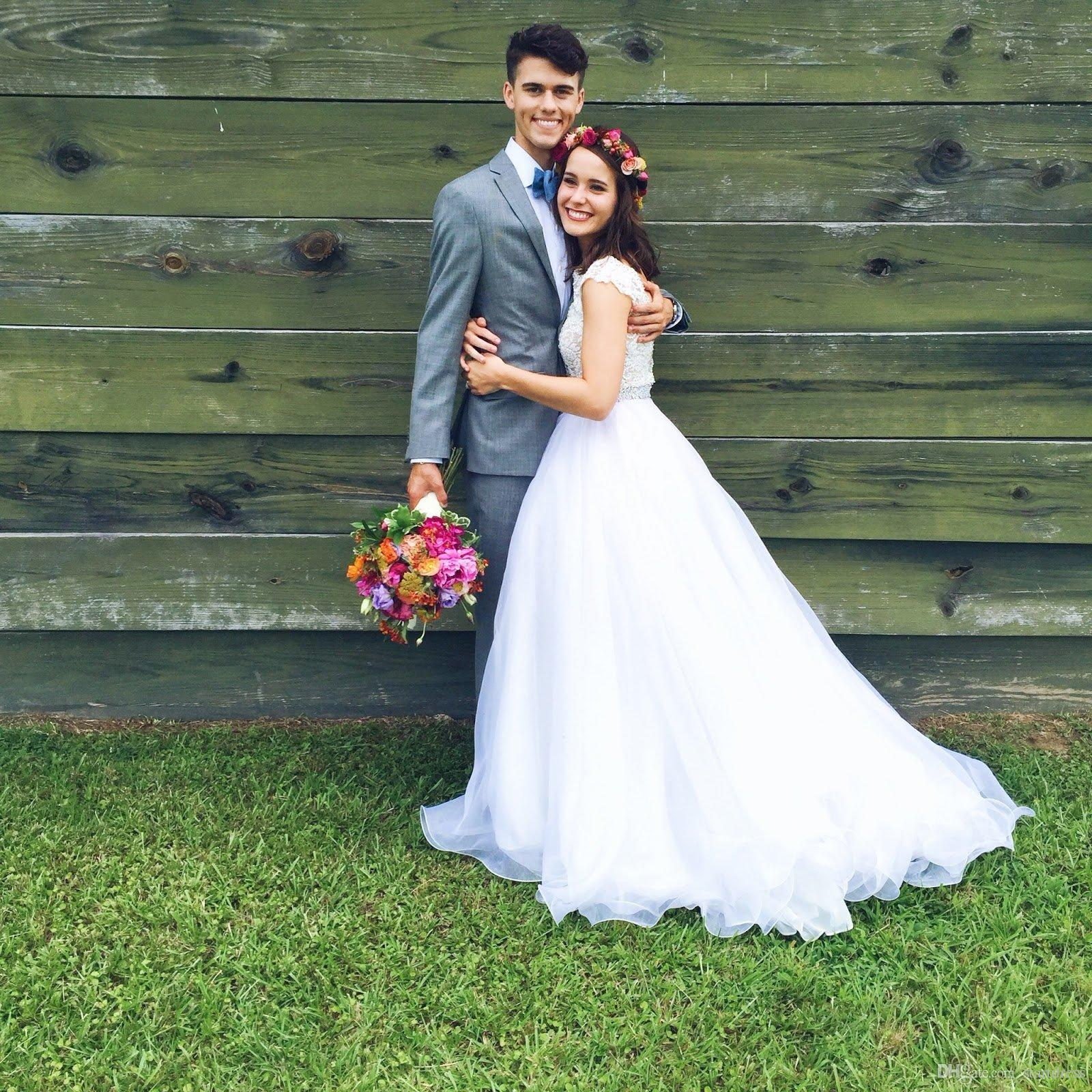 2018 Princess Summer Country Bohemian Wedding Dresses Boat Neck Top Lace Crystal Belt Cheap Beach Bridal Gowns V Backless Garden Berta China