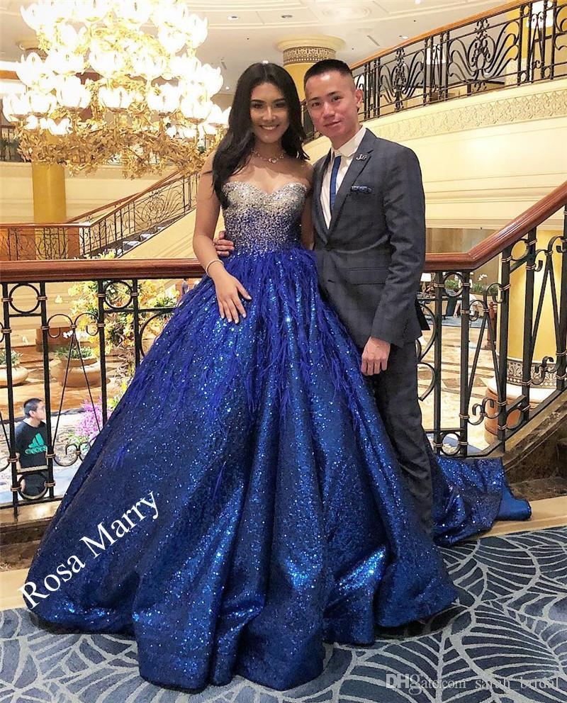 163ac3f7b Compre Lujo Pluma Dulce 16 Vestidos De Quinceañera 2020 Vestido De Fiesta  Azul Real Vestidos Vestidos 15 Años Más Tamaño Árabe Mascarada Vestidos De  Fiesta ...