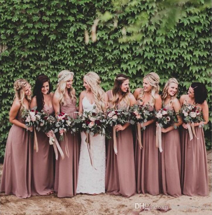 2018 Dusty Rose Pink Brautjungfernkleider Sweetheart geraffte Chiffon A-Linie lange Brautjungfer Kleider Hochzeit Party Kleid Plus Size Beach