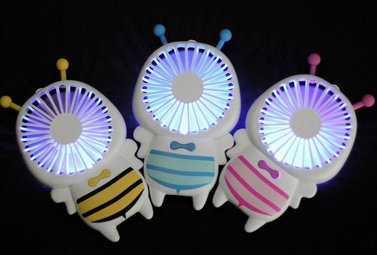 Sıcak satmak Handy USB Fan Mini Arı Kolu Şarj Elektrik Hayranları Ev Ofis Hediyeler Için Ince El Taşınabilir Işık Gece Işık Hediyeler 3 Renkler