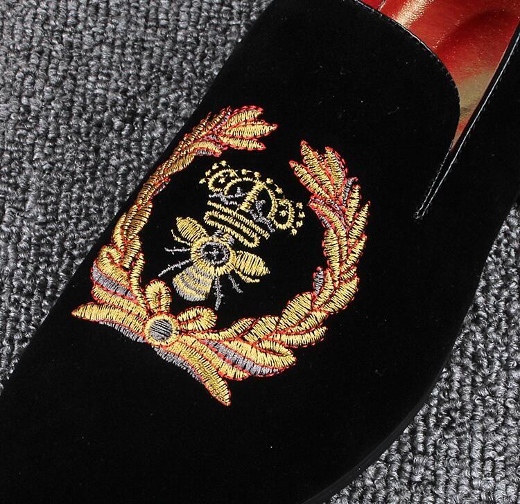Promotion Nouveau 2018 Printemps Hommes Mocassins De Velours Parti Chaussures De Mariage Europe Style Brodé Bleu Rouge Velours Pantoufles Mocassins Au Conduite 229