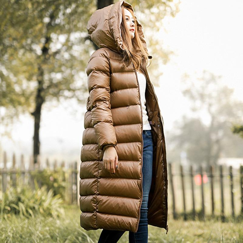 2017 Winter Women White Duck Down Parkas Female Down jacket Ladies Wadded Coat Female Warm Waterproof Zipper Long Parkas LYL247