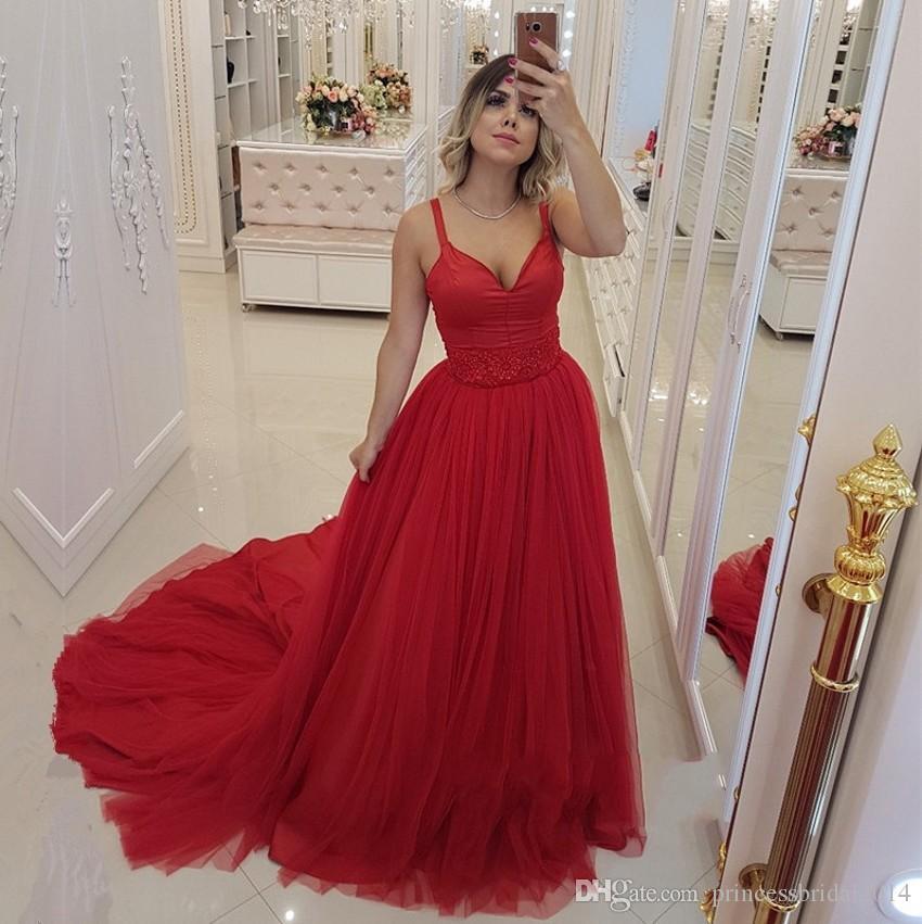 762488a8cc66 Acquista Zyllgf Abiti Da Sera Lunghi Rossi Una Linea Scollo A V Spaghetti  Senza Maniche Piano Lunghezza Tulle Prom Dresses Red Carpet Dress A  109.55  Dal ...