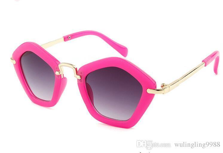 الأطفال مضلع نظارات صيف حار جديد وصول العصرية بنين بنات الأبيض أسود uv400 النظارات الأزياء إطار أطفال نظارات 6 ألوان