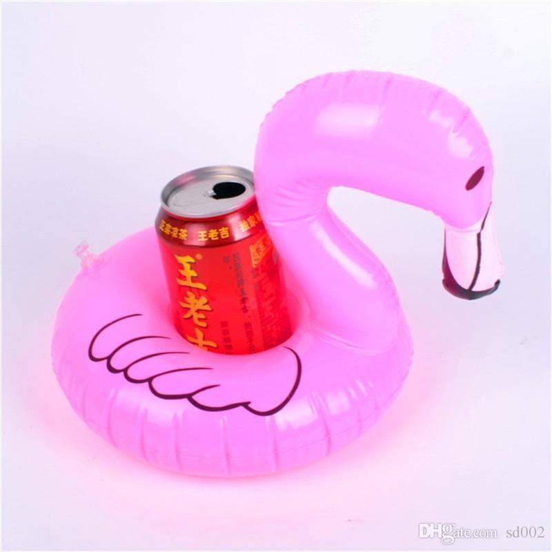 Gonfiabile Drink Cup Holder Ciambella Flamingo Anguria Ananas Tappeto a Forma di Galleggiante Estate Spiaggia Piscina Sottobicchiere Decorazione Giocattoli 2 7cs YY