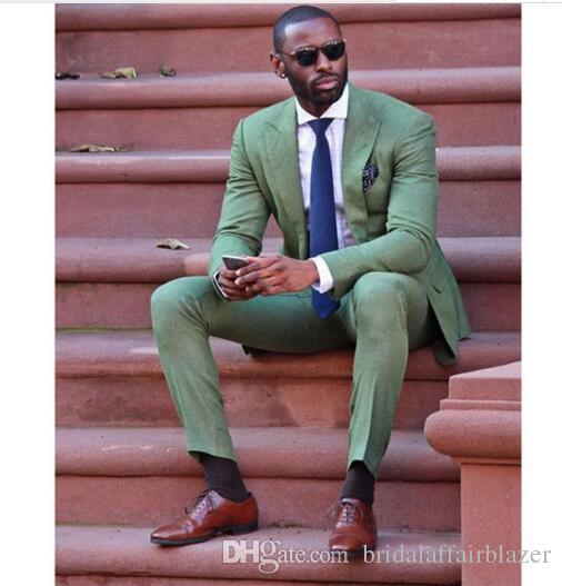 Compre 2018 Moda Slim Fit Blazers Nuevo Ejército Verde Ropa De Hombres Traje  De Boda Del Banquete De Boda Smoking Smoking Mens Casual Wear Wear Jacket +  ... f21b35eea27