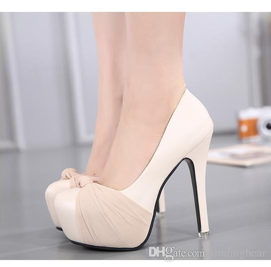 c6623f67f3 Compre Lujo Marfil Blanco Brillo Zapatos De Boda Sandalias Elegantes  Zapatos Nupciales Bombas Plataforma Tacones Gruesos 2015 Tamaño 35 A 39 A   30.74 Del ...