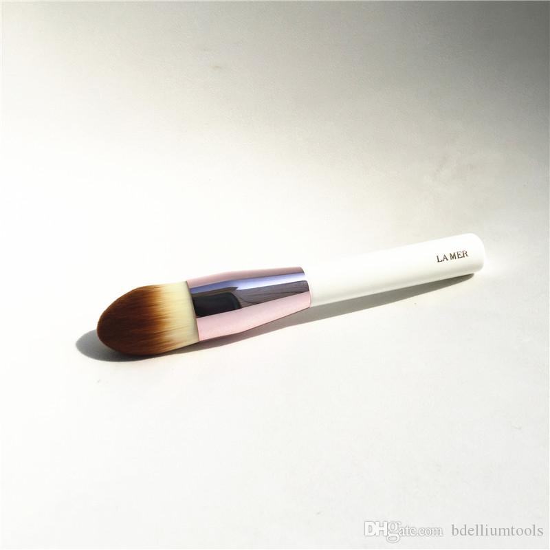 LA MER POWDER & FOUNDATION BRUSH - Soft Synthetic Hair Large Powder Flawless finish - Beauty Makeup Brushes Blender