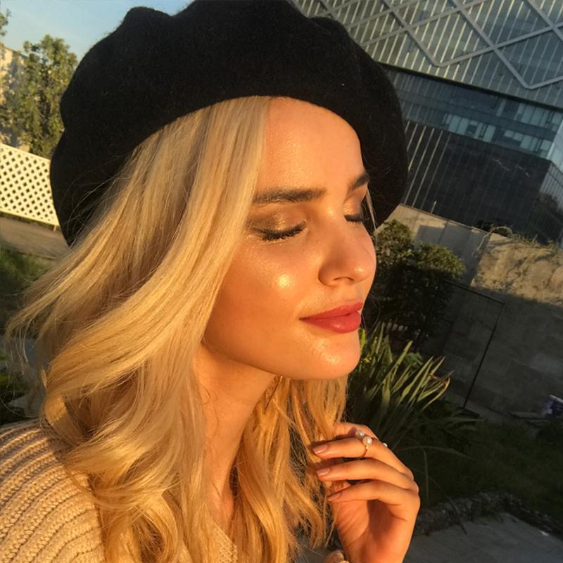 f5ca42c98bbd9 2019 Girls Elegant Warm Beret Hat Flat Cap Winter Painter Streetwear  Fashion Vintage Wool Beret Women Hats From Zaonoodle