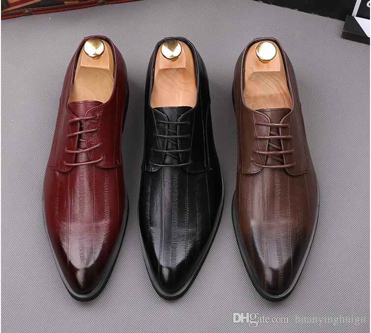 454a55cf9 Compre 2019 De Alta Qualidade Homens De Couro Genuíno Sapatos De Festa Dedo  Apontado Elegante Casamento Monge Cinta Homens Sapatos De Vestido Sapatos  Oxford ...