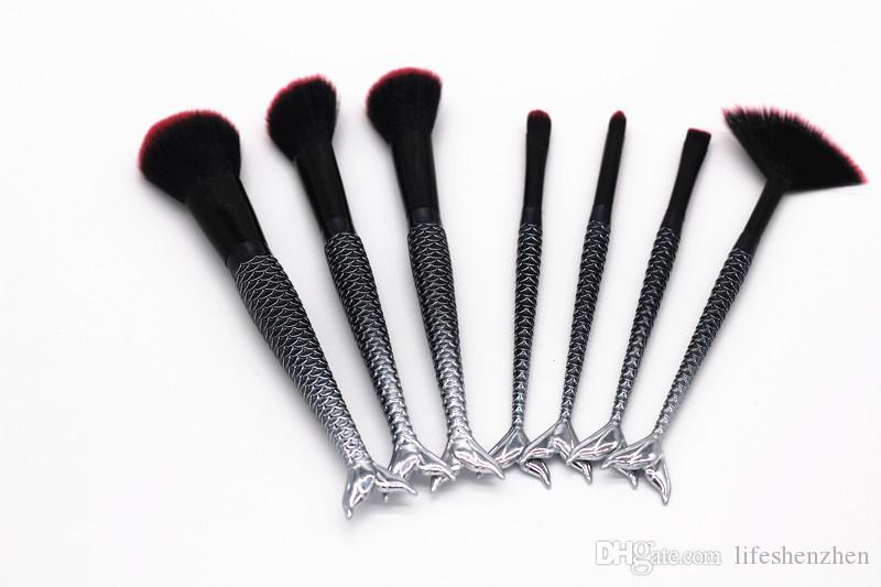 Neue MAKEUPS Pinsel Set / set Mermaid Griff Design Erröten Puder Augenbrauen Lidschatten Pinsel mit Beutel / Tasche Schwarz DHL Versand