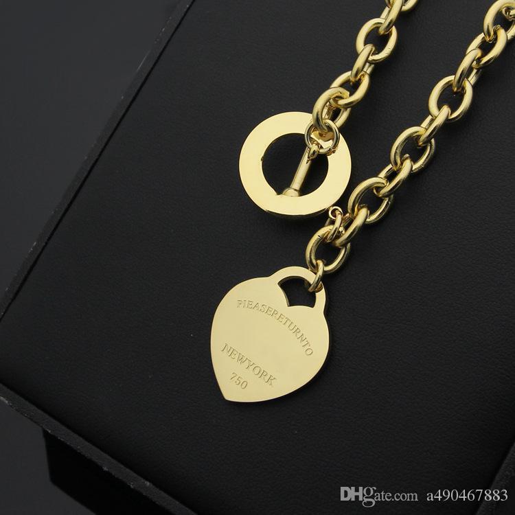 Célèbre marque jewerly 316L titane acier plaqué or 18K collier courte chaîne en argent homme coeur collier pendentif pour les femmes couple cadeau