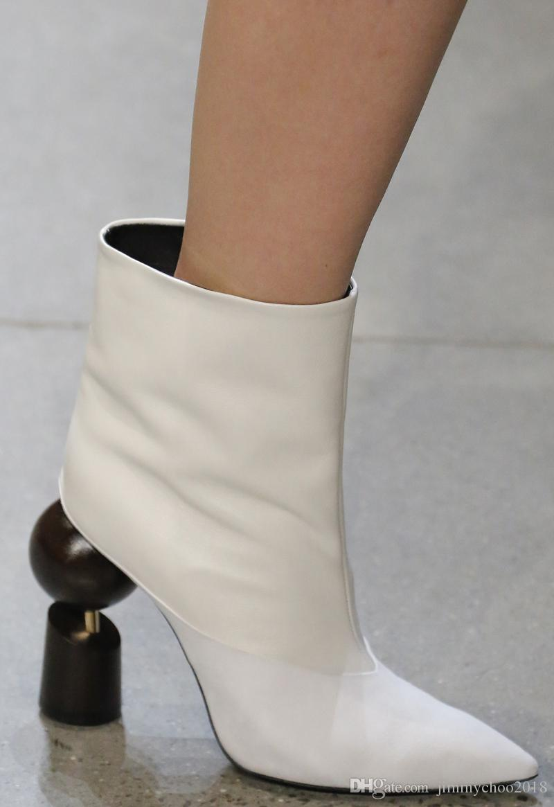 Prabal Gurung Fall 2018 Fashion Show The new boots pointed, short boots for women and leather ankle high-heeled models with Martin boots