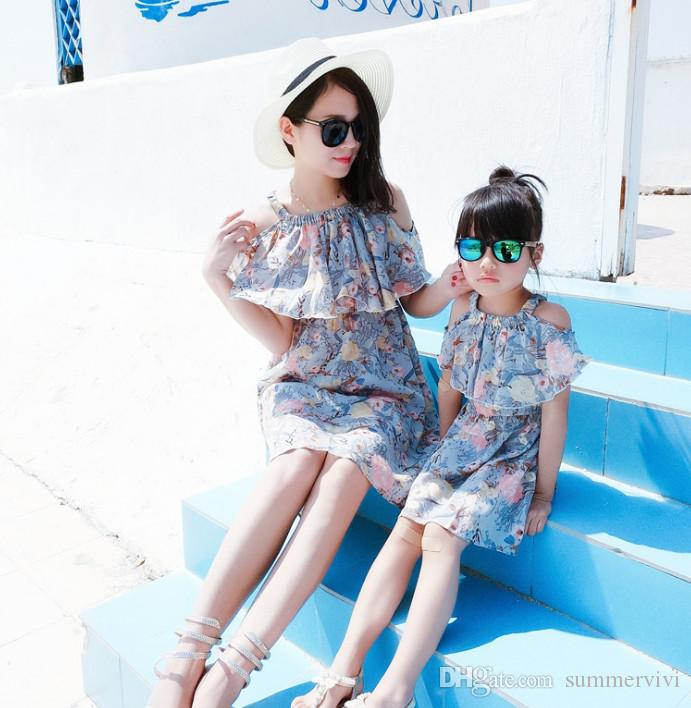 408aa64799 Mother Daughter Matching Outfit Girls Floral Printed Dew Shoulder Chiffon  Dress Bohemia Style Women Falbala Suspender Beach Dress Y0027 Mom And  Daughter ...