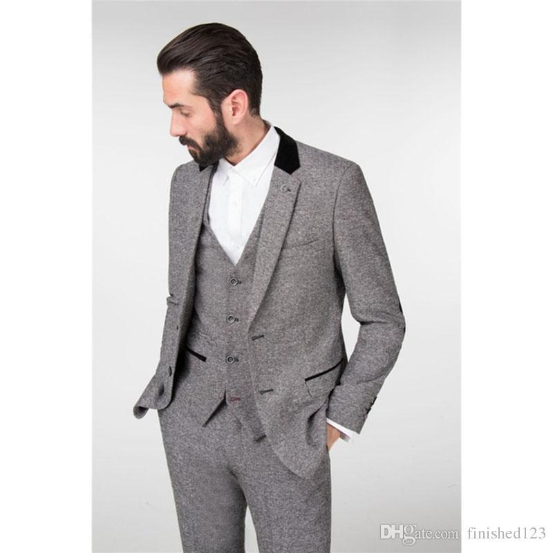e70b66cc9f Nuovo arrivo due bottoni dello smoking grigio chiaro smoking notch bavero  dello sposo groomsmen mens wedding business prom abiti (giacca pantaloni ...