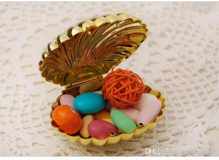 New Shell Shaped Box Wedding Party Favor Boxes Plastic Solid Gold Sliver Color Candy Package Gift Boxes 2018 New Hot Selling