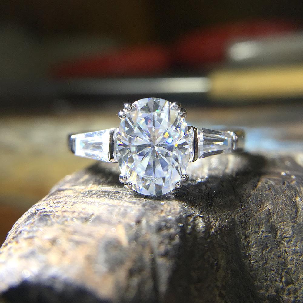 9f9fcf750adc Precioso 14K 585 Oro Blanco 3 Carat ct DF Color Lab Cultivado Oval  Moissanite Anillo de diamante Solitaire Anillo de compromiso S923