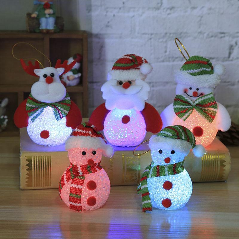 e56e710979b Compre Colgante Del Árbol De Navidad Lámpara De Luz LED Muñeco De Nieve    Patrón De Ciervo Luz Decoración Para El Hogar Adornos De Navidad Árbol De  Navidad ...