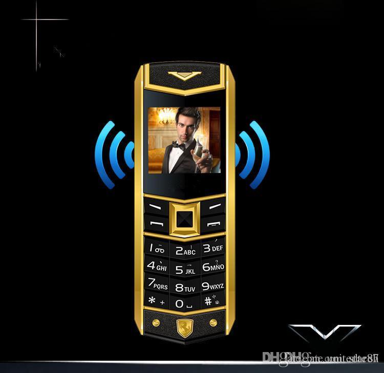 4676d88c1be6a Роскошная Кожа 8800 Бар Сотовый Телефон Классический Мобильный Телефон Dual  Sim GSM длительным временем ожидания Bluetooth Камера FM Радио  Металлический ...