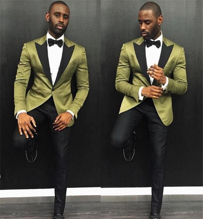 Acheter 2018 Nouvelle Mode Hommes Costumes De Mariage Noir Revers À Pointe  Un Bouton Personnalisé Fait Groomsmen Tuxedos Hommes Prom Party Costume  Veste + ... 5fbf8946008